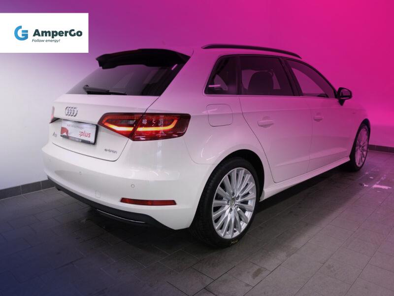 Audi A3 Sportback e-tron tył