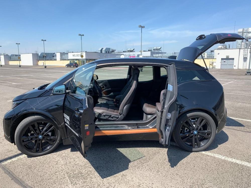 BMW i3s - innowacyjny sposób otwierania drzwi