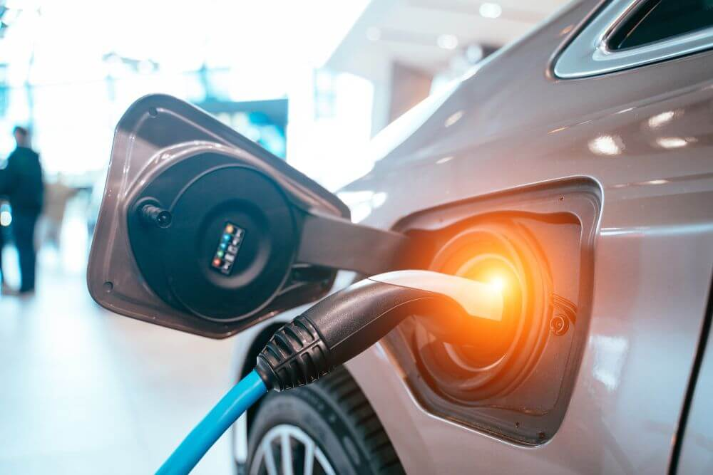 Samochód elektryczny - uzupełnianie energii